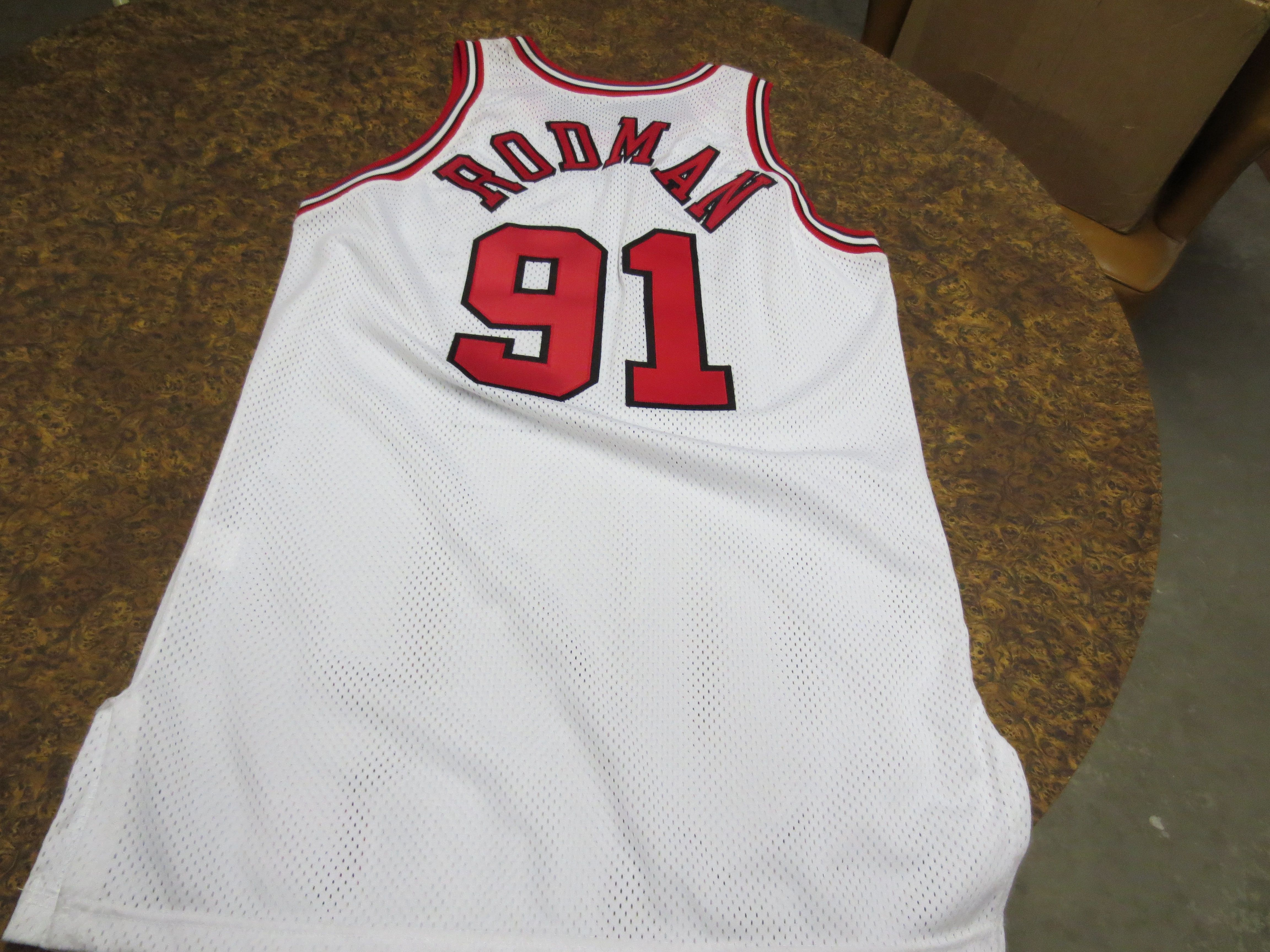 2b46ce78f47 ... 1995-96 Dennis Rodman Chicago Bulls Game Used Game Worn White Jersey  signed