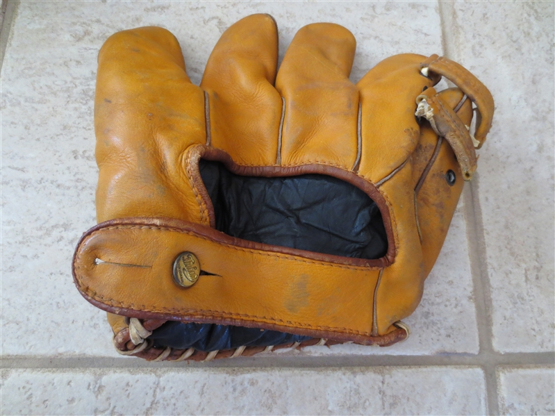 1940's Bill Nicholson Dubow store model baseball glove in nice condition