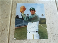 Autographed Rollie Fingers color photo with inscription